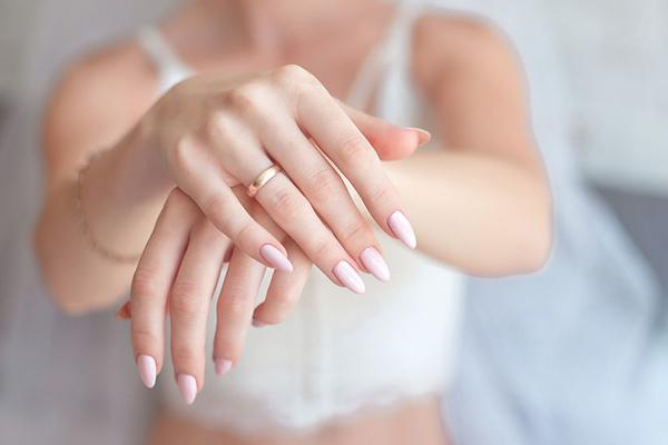 Benefits of hot oil manicure: