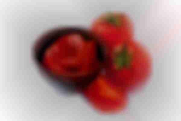 Tomato paste for melasma