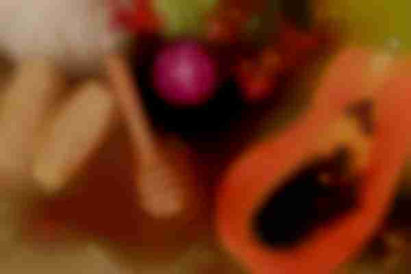 Papaya face mask for dry skin