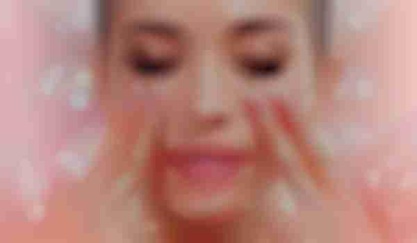 30 seconds massage technique to get rid of dark circles